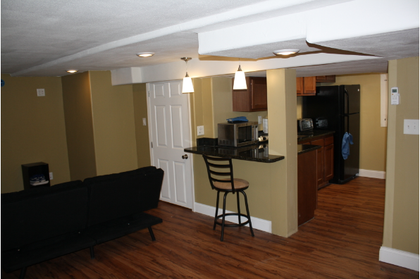 702-04 Lancaster Ave, 702 - One Bedroom (Photo 4)