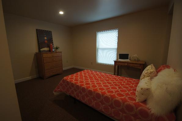 144 E Ridge Ave, 7 Bedroom (Photo 3)