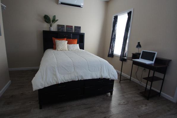 149 Lockard Avenue, 1 Bedroom (Photo 2)