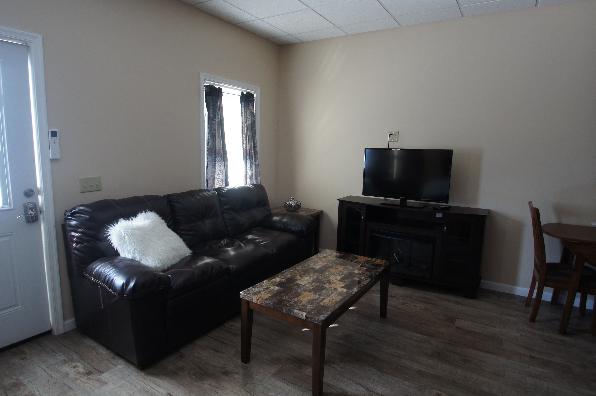 149 Lockard Avenue, 1 Bedroom (Photo 4)
