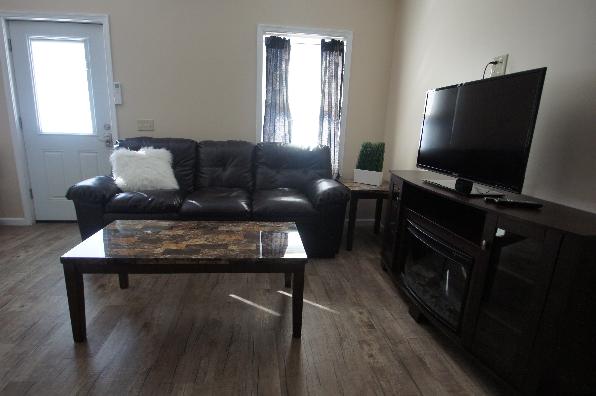 149 Lockard Avenue, 1 Bedroom (Photo 3)