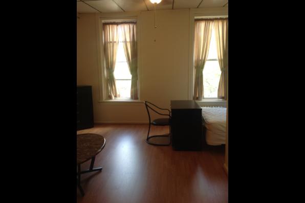 620 Philadelphia Street, 1 Bedroom (Photo 3)