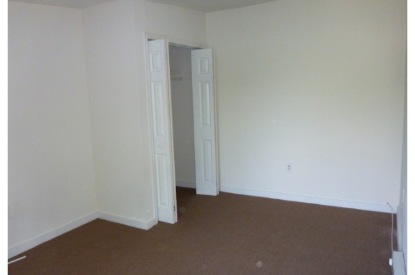 1545 W Thompson St, Unit C (Photo 3)