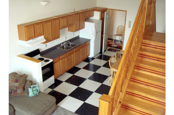 53 W Main St, 7 Bedroom (Photo 2)
