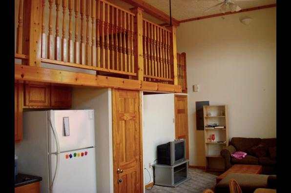 53 W Main St, 7 Bedroom (Photo 3)
