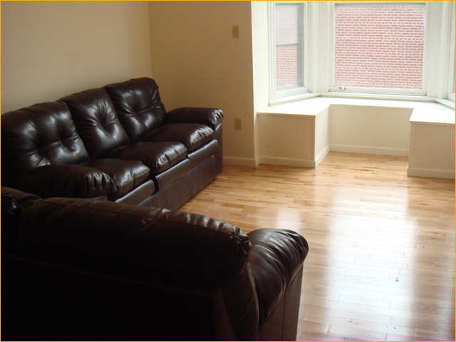 2 E Main St, 2 Bedroom (Photo 4)