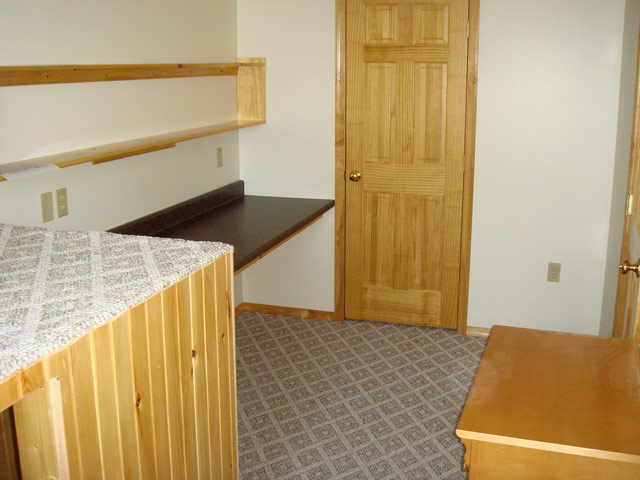 36 E Main St, 6 Bedroom Suites (Photo 6)