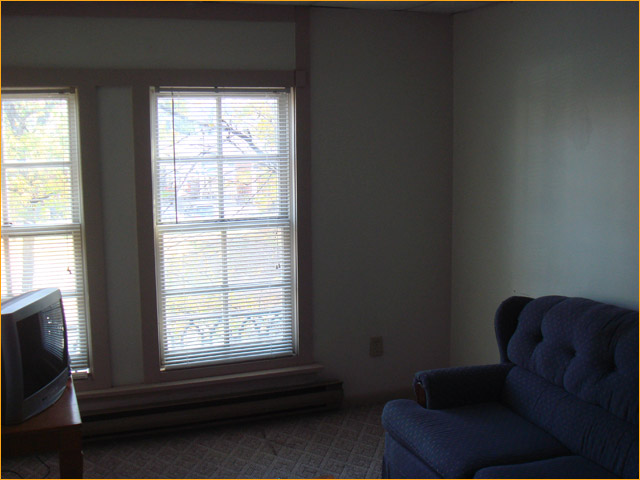 111 W Main St, 2 Bedroom (Photo 2)
