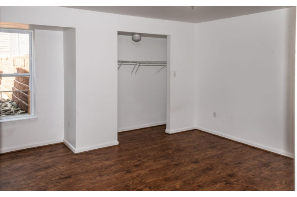 375 Fetterman Ave, 375 Apt. C (Photo 2)
