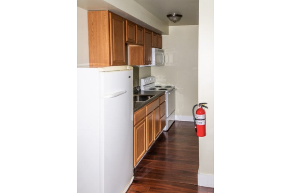 428 W Main St, 428 (1 Bedroom) (Photo 5)