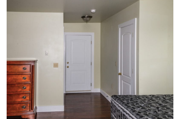428 W Main St, 428 (1 Bedroom) (Photo 6)